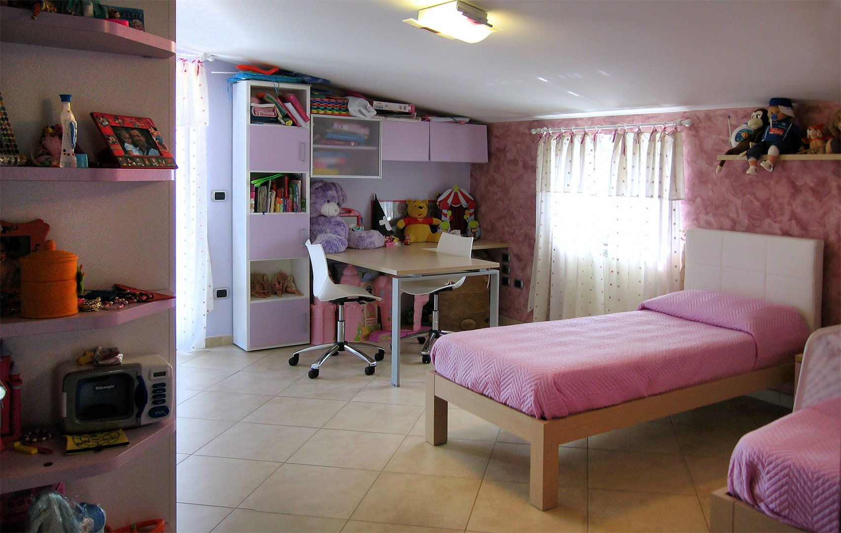 Progetto di arredo di una cameretta per bambini for Colori cameretta bimba